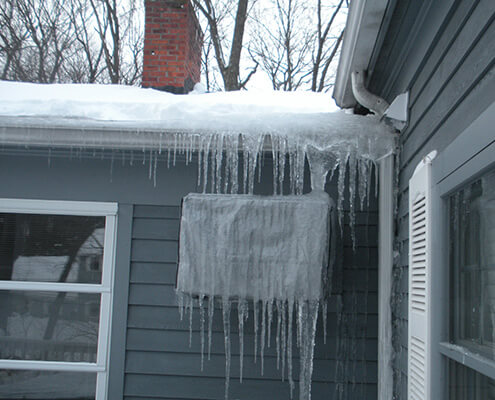 ice dam on roofline